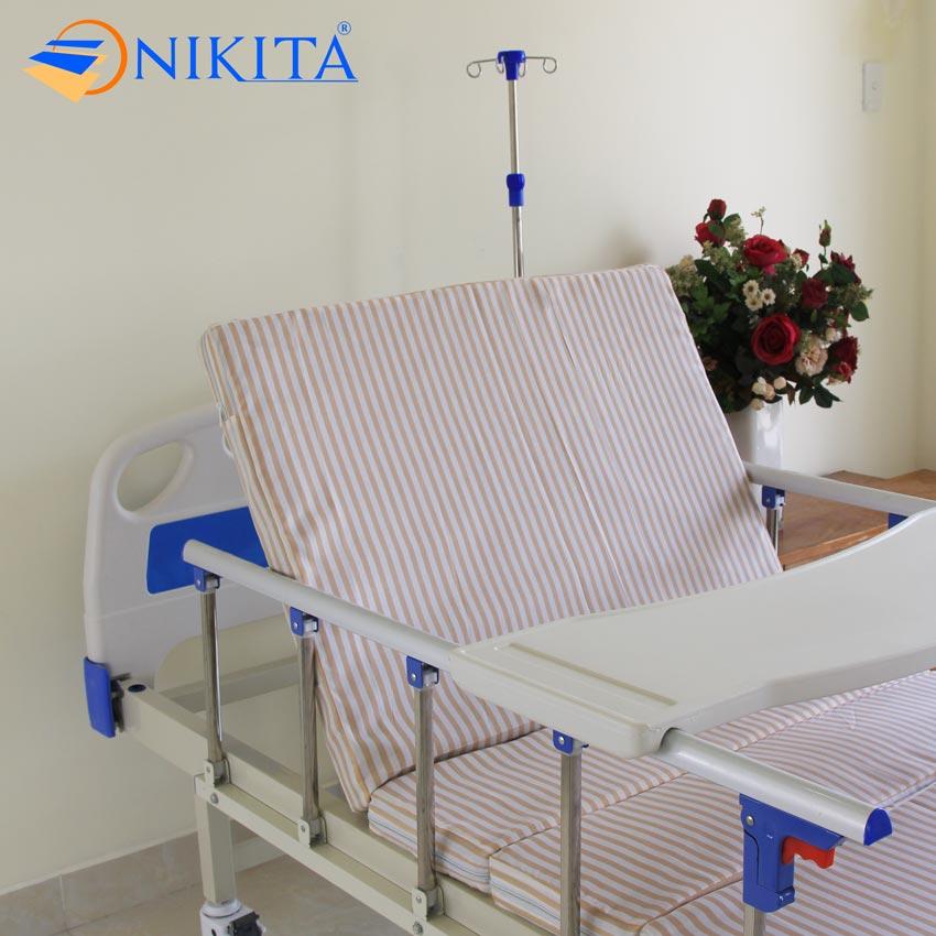 Giường bệnh nhân tay quay NIKITA DCN02