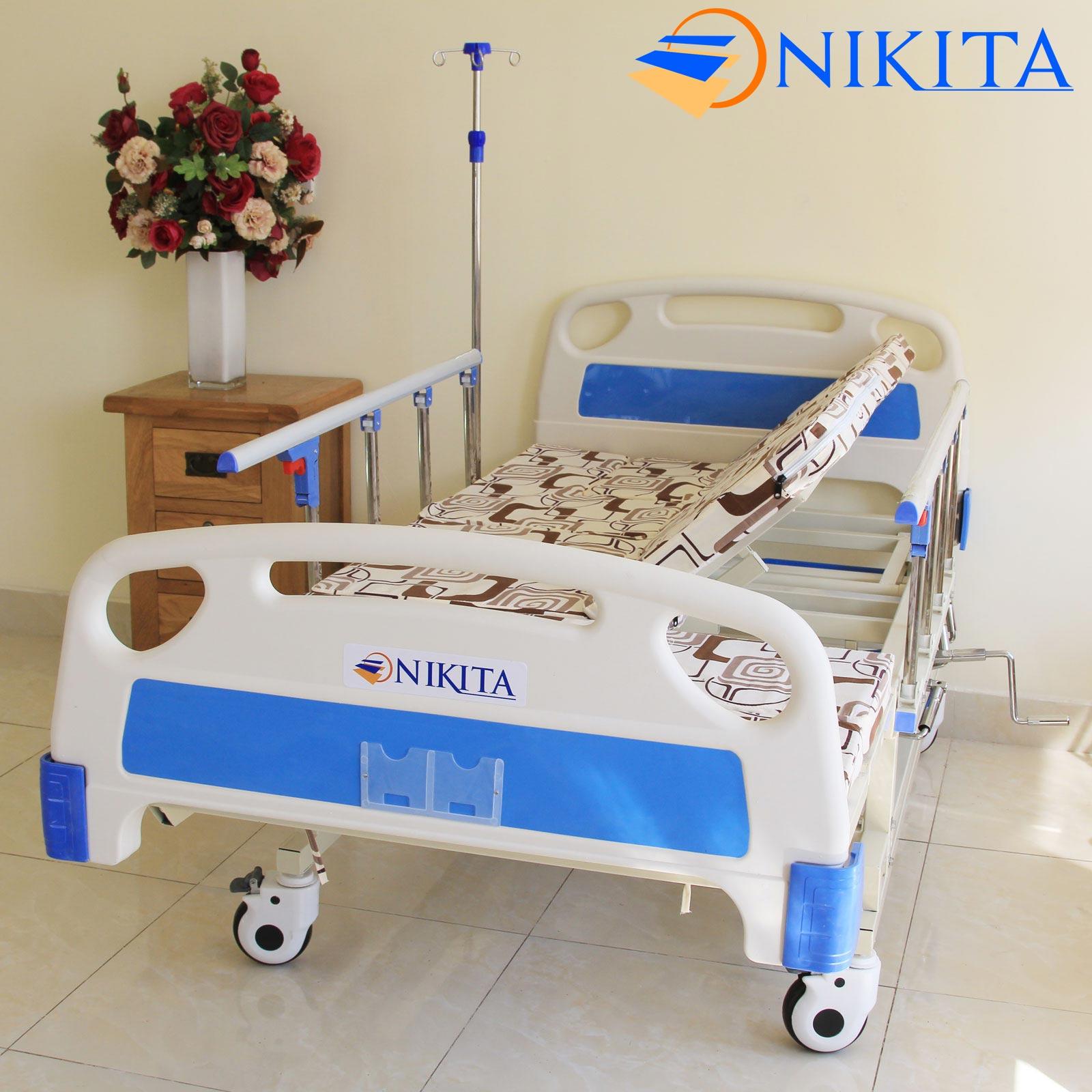 giường bệnh nhân có bô vệ sinh NIKITA DCN04